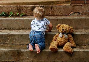 Слежка за детьми - услуги профессионального наблюдения